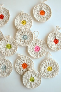 Crochet snowflowers from Purl Bee - great tutorials and projects here http://www.purlbee.com/snowflower-ornaments/2012/12/1/whits-knits-snowflower-ornaments.html