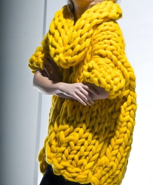 Fab chunky yellow knitchanelanddiamondsohmy.tumblr.com
